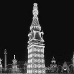 All aglow with electric lights is Luna Park on Coney Island, New York - Art Print